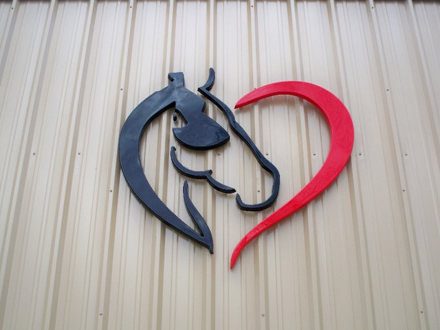 Logo signs for exterior buildings in Wellborn FL